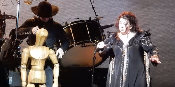 Kate Bush liefert Sensations-Konzert als YouTube-Show