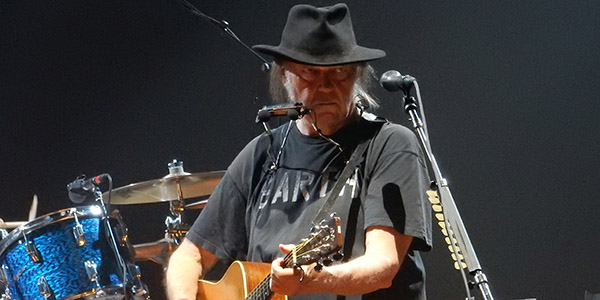 Neil Young Toul1
