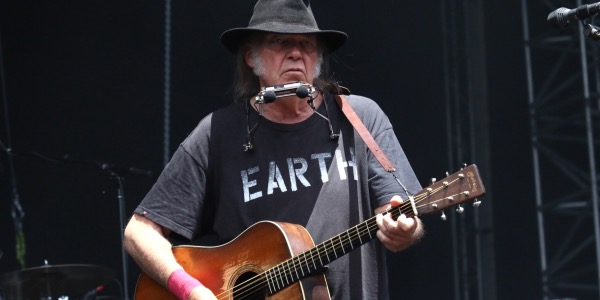 Neil Young Clam