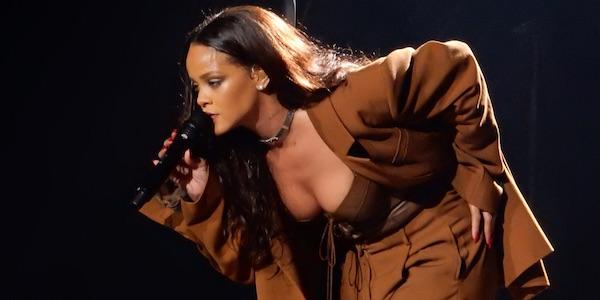 Rihanna Prag1